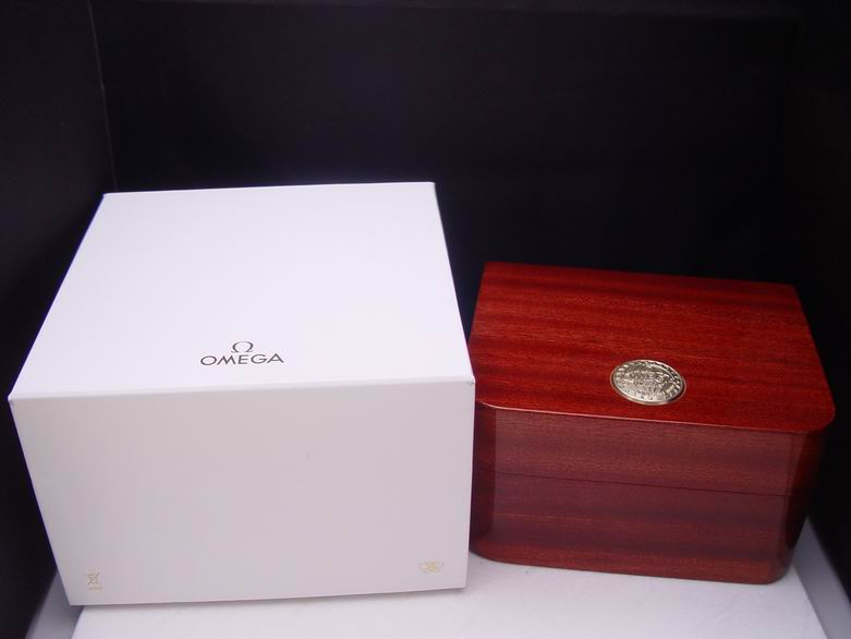 (OME-BOX-02) Authentic Omega Wooden Watch Box for High Value Watch & Omega Original Elegant Wooden Watch Box for High Value Omega ... Aboutintivar.Com